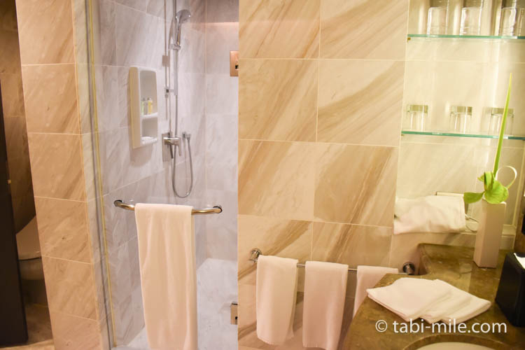 台湾旅行 リージェント台北 部屋バスルースシャワールーム