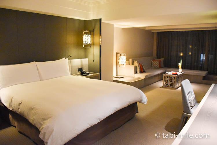 台湾旅行 リージェント台北 部屋ベッドリビング