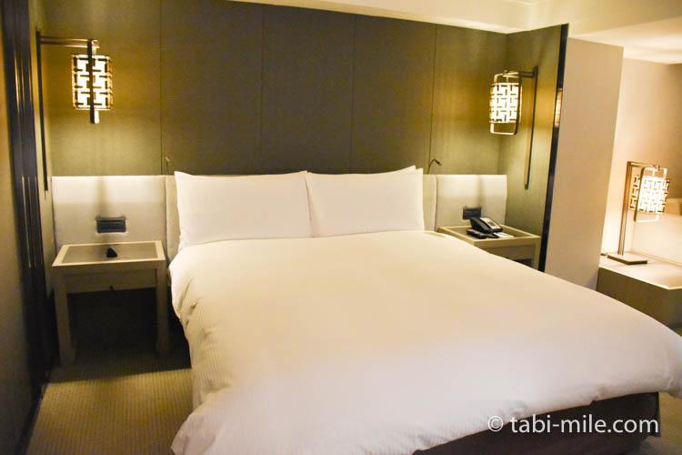 台湾旅行 リージェント台北 部屋ベッド