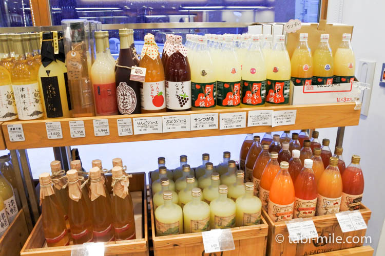 青森お土産 A-FACTORY 中の様子 りんごお酒ジュース3