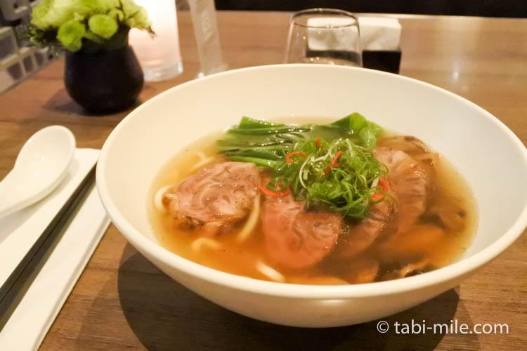 台湾旅行 リージェント台北 azie 牛肉麺1