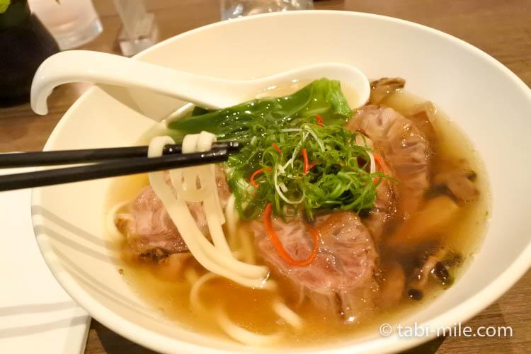 台湾旅行 リージェント台北 azie 牛肉麺3