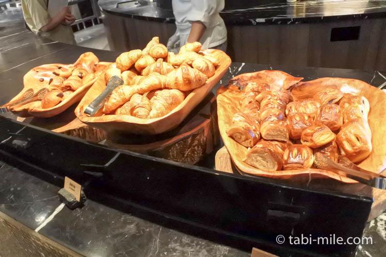 台湾 リージェント台北 朝食 ブラッセリー  パン2