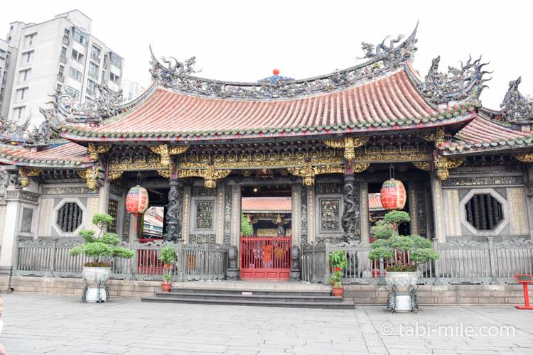 龍山寺の入り口