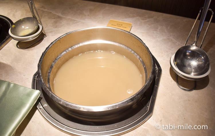 コートヤード台北エグゼクティブラウンジスープ1