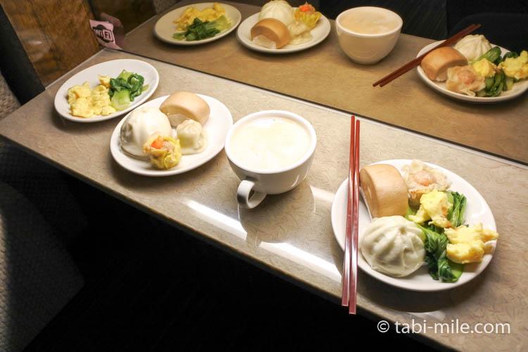 台北松山空港VIPラウンジ朝食