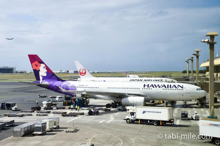 ハワイ旅行 ハワイアンエアライン 飛行機