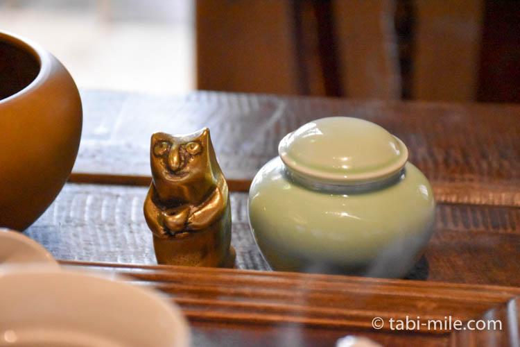 台湾 九份茶房 台湾茶 茶壺 ネコの文鎮1