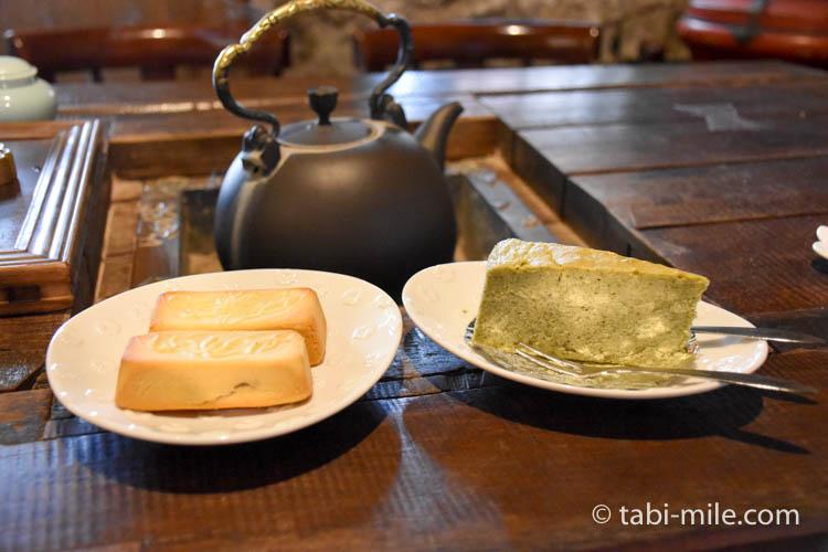 台湾 九份茶房 チーズケーキパイナップルケーキ