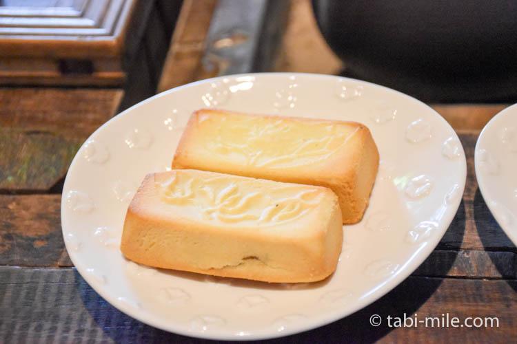 台湾 九份茶房 パイナップルケーキ1