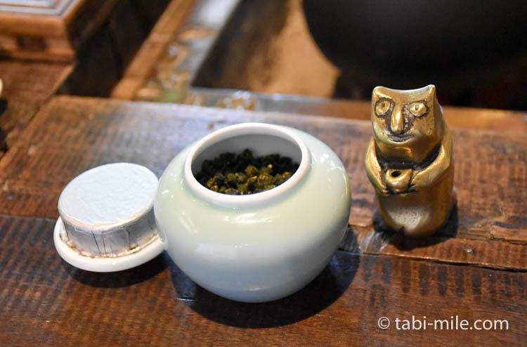 台湾 九份茶房 台湾茶 茶壺 ネコの文鎮2