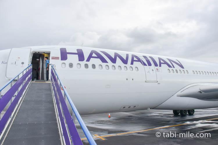 ハワイコナ空港に駐機するハワイアン航空
