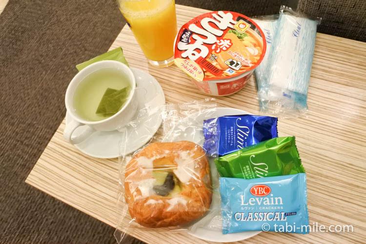 ハワイアン航空 ビジネスクラスKALラウンジ 軽食