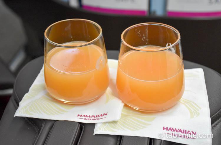ハワイアン航空 ビジネスクラス ウェルカムドリンク