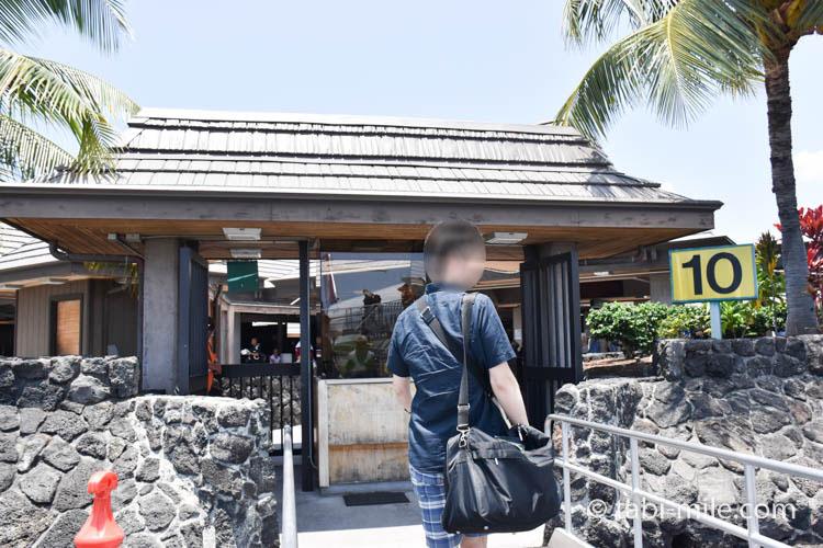 ハワイ島コナ空港ゲート