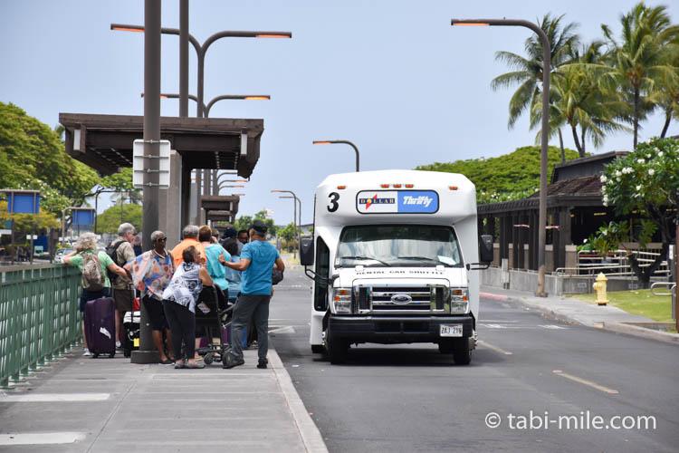 ハワイ島コナ空港 レンタカー送迎車