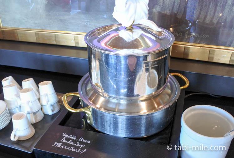 ウェスティンホテル東京 エグゼクティブクラブラウンジ ライトスナック スープ