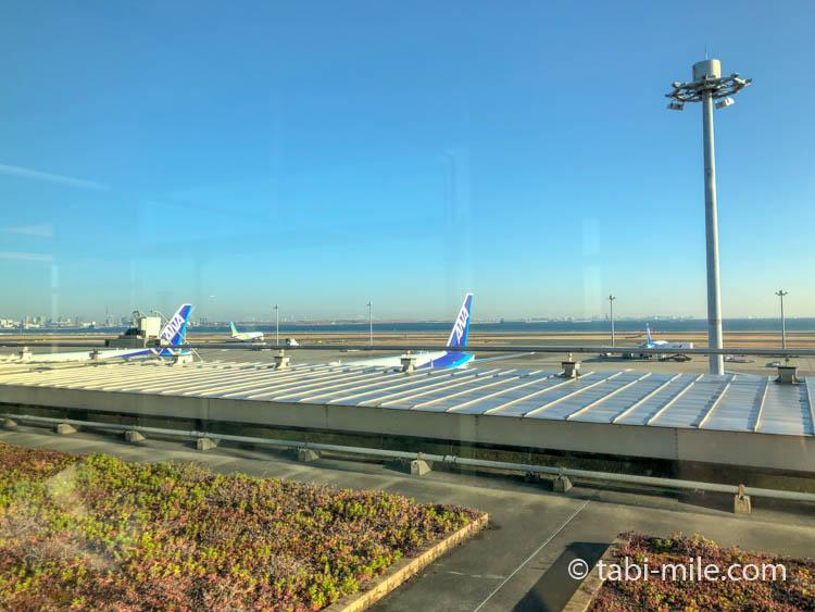 羽田空港ANAラウンジ南からの景色