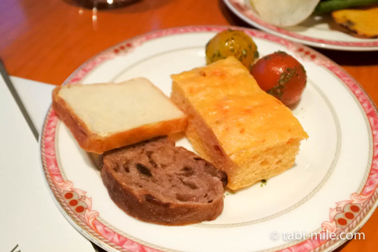 ウェスティンホテル東京 イブニングカクテル 食べたもの パン