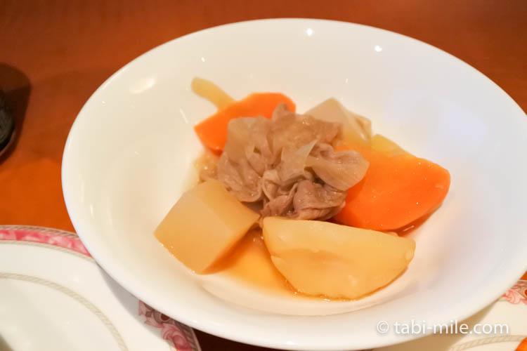 ウェスティンホテル東京 イブニングカクテル 食べたもの 肉じゃが