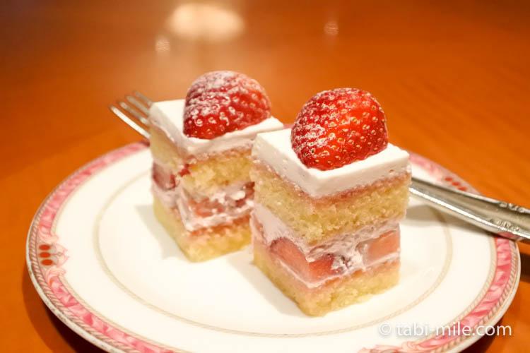 ウェスティンホテル東京 イブニングカクテル 食べたもの ショートケーキ
