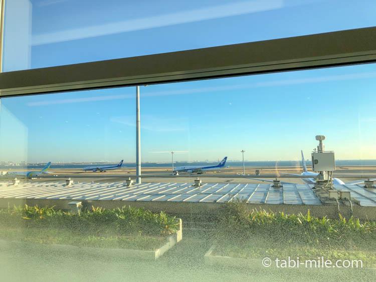 羽田空港ANAラウンジ(北)からの景色