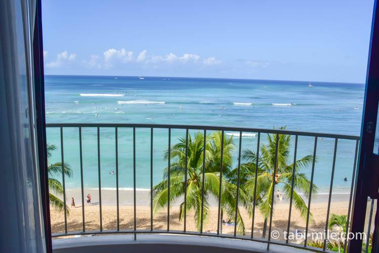 ハワイワイキキモアナサーフライダー 部屋からの景色 オーシャンフロント