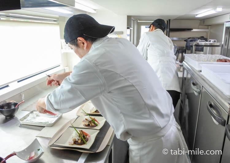 東京レストランバス 厨房
