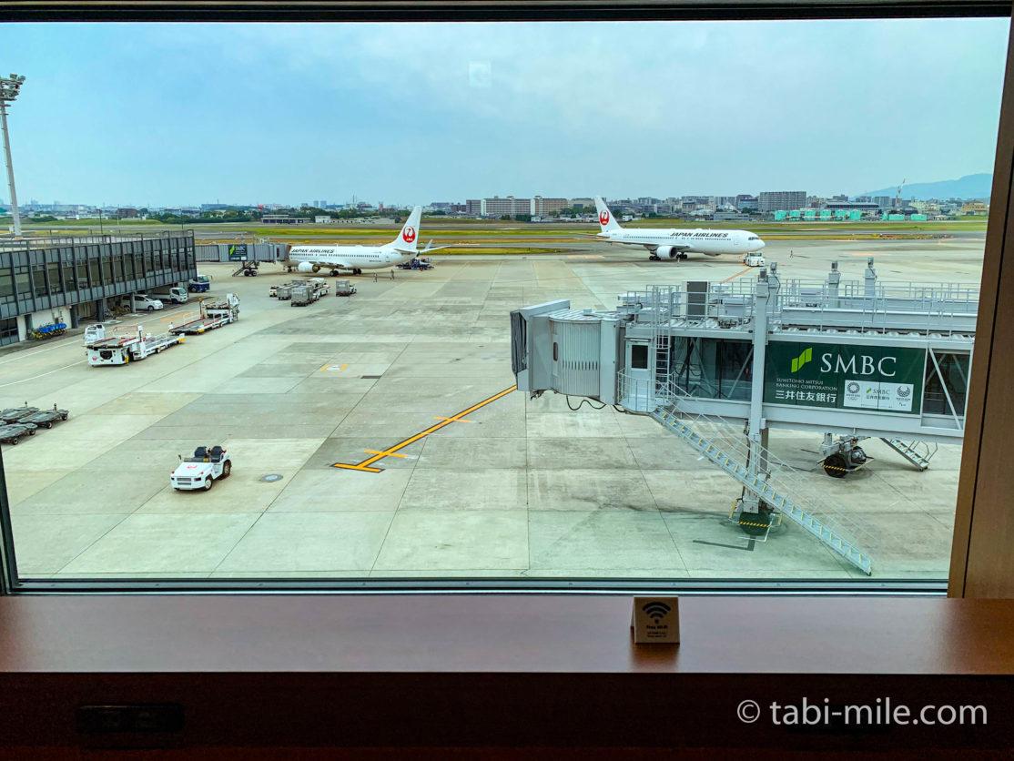 伊丹空港JALサクララウンジ