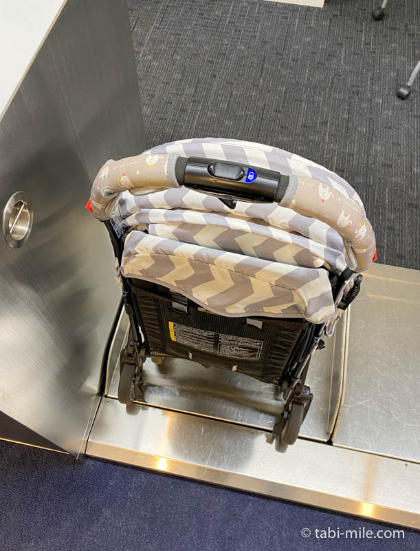 羽田空港、お手伝いが必要なお客様専用カウンター、ベビーカー預け荷物