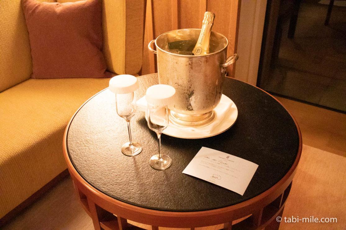 リッツ・カールトン沖縄、客室、ウェルカムギフト、シャンパン