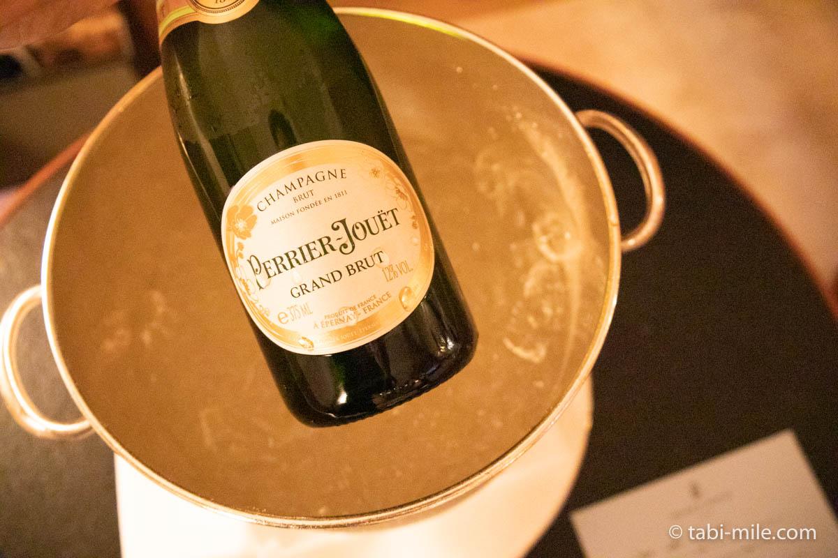 リッツ・カールトン沖縄、客室、ウェルカムギフト、シャンパン、高級