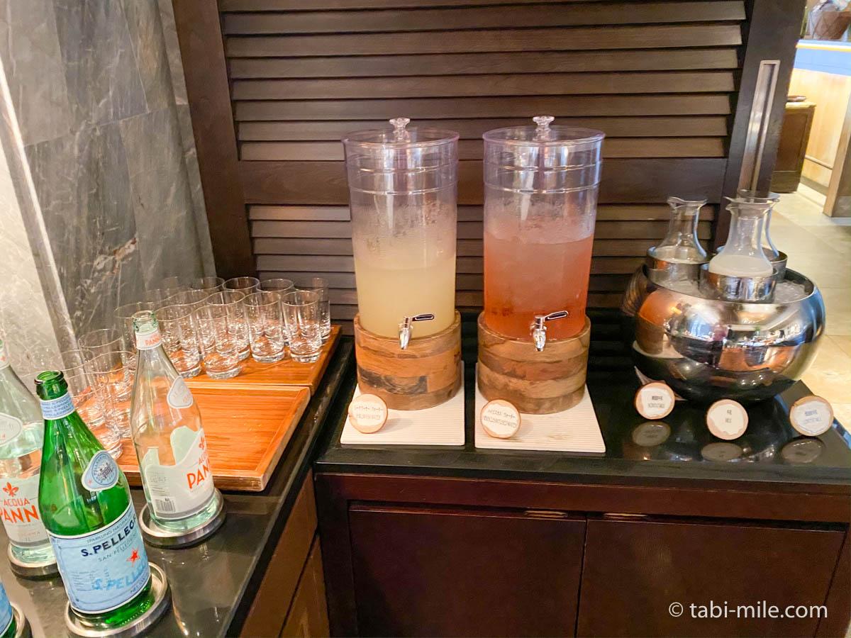 リッツカールトン沖縄、朝食ビュッフェ、グスク、ジュース