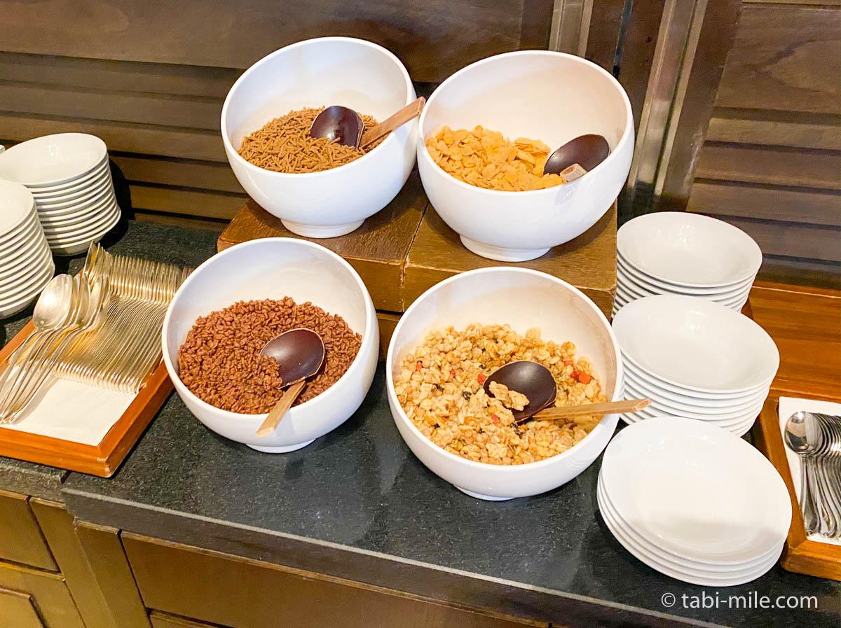 リッツカールトン沖縄、朝食ビュッフェ、グスク、コーンフレーク