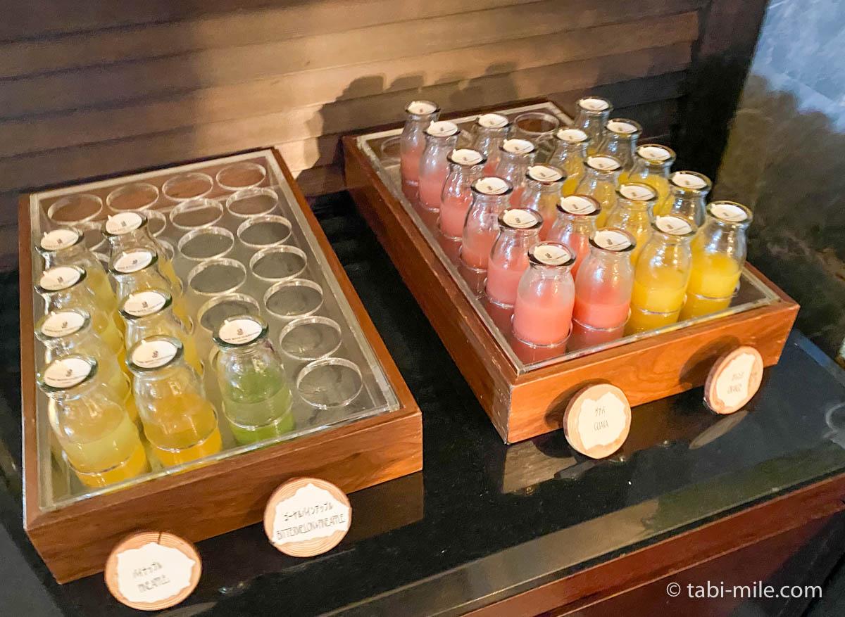 リッツカールトン沖縄、朝食ビュッフェ、グスク、フルーツジュース