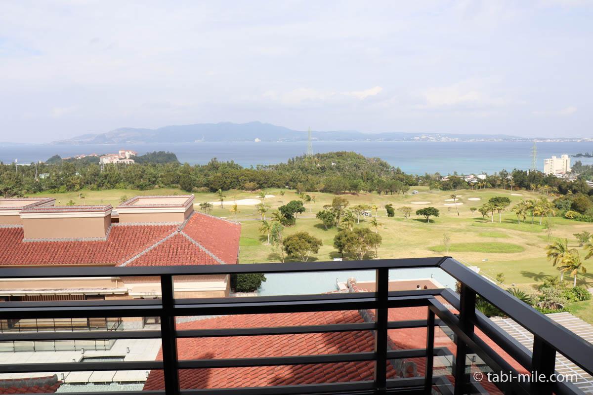 リッツ・カールトン沖縄、客室、バルコニー、外の景色