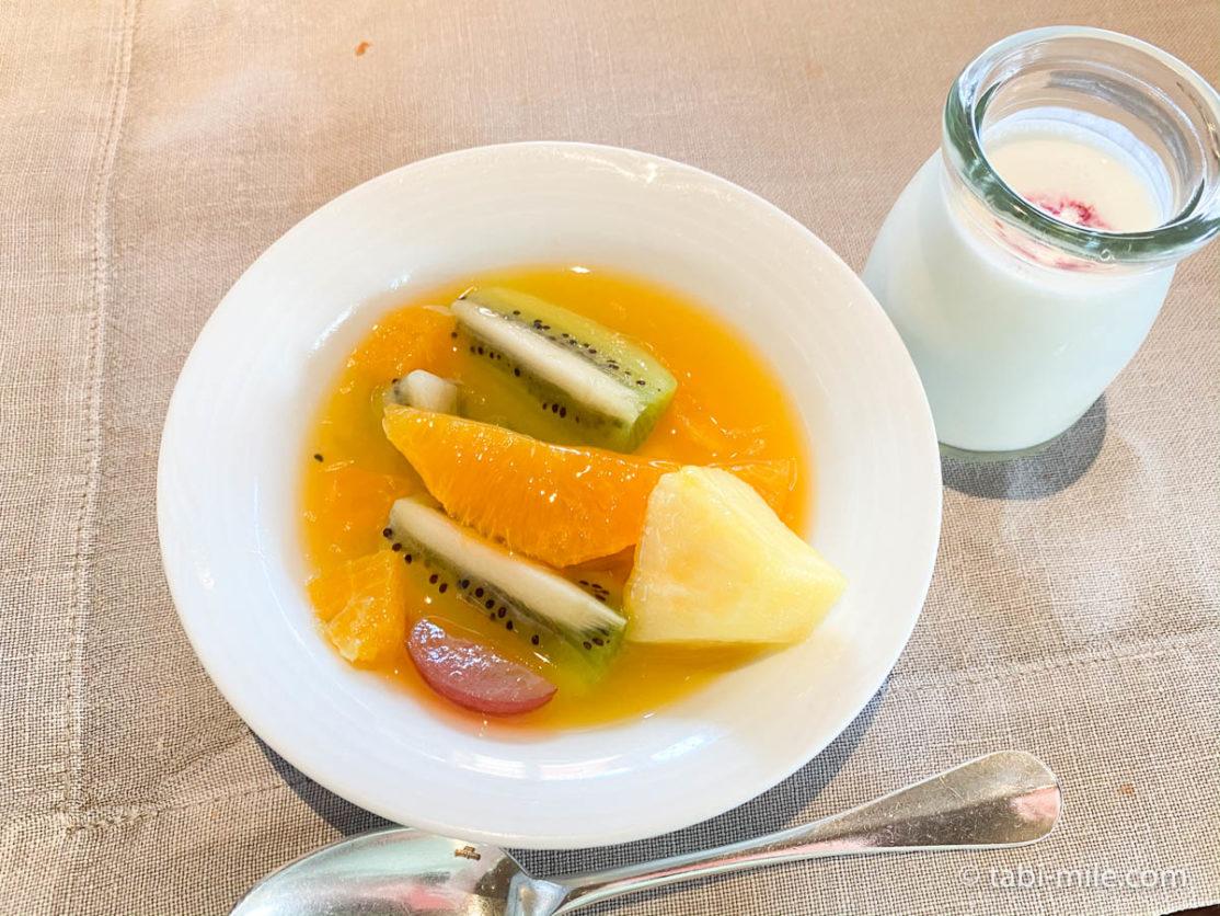 リッツカールトン沖縄、朝食ビュッフェ、グスク、食べた朝食、フルーツポンチ、ヨーグルト