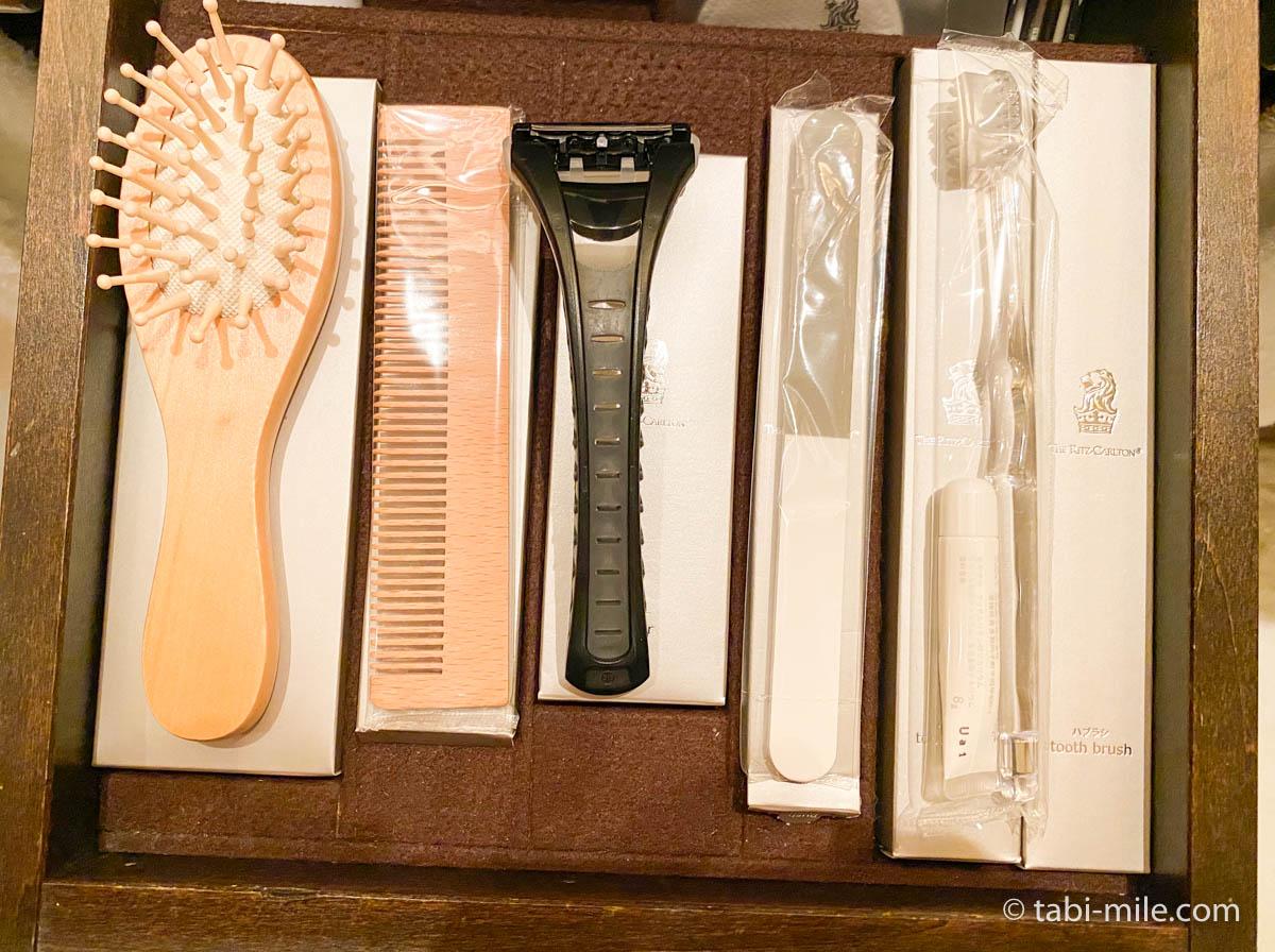 リッツ・カールトン沖縄、客室、アメニティー、クシ、歯ブラシ
