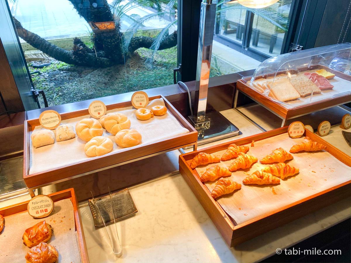 リッツカールトン沖縄、朝食ビュッフェ、グスク、マフィン、クロワッサン