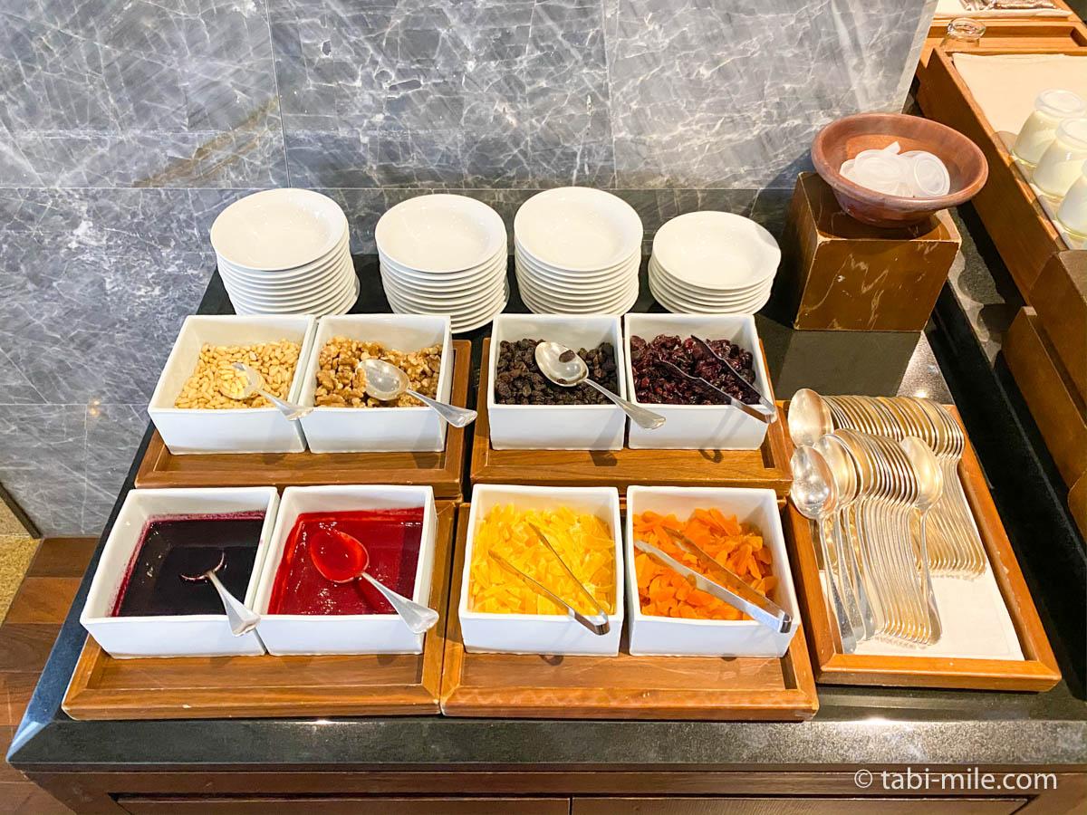 リッツカールトン沖縄、朝食ビュッフェ、グスク、フルーツソース、ドライフルーツ
