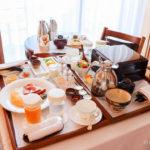 リッツ・カールトン沖縄、ルームサービス、朝食風景
