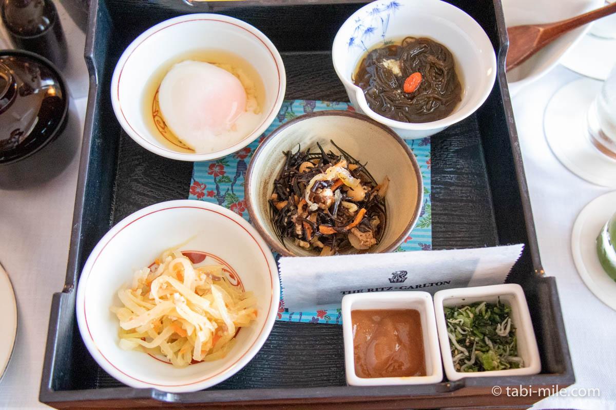 リッツ・カールトン沖縄、ルームサービス、朝食、わしょく、温泉卵、ひじきの煮付け、切り干し大根