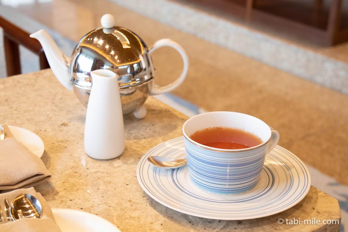 リッツ・カールトン沖縄、ザ・ロビー、アフタヌーンティー、ティーカップ、ポット、紅茶