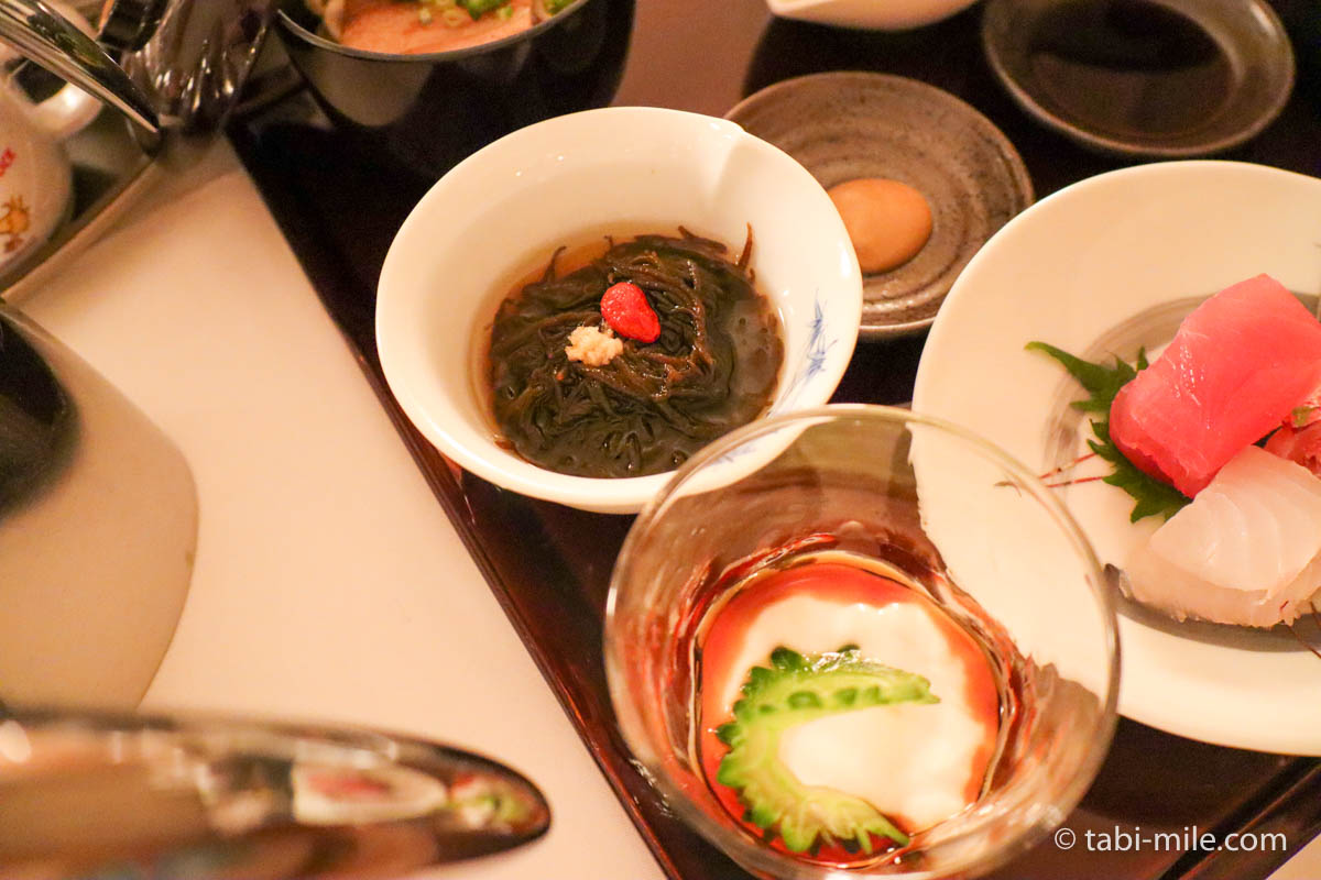 リッツ・カールトン沖縄、ルームサービス、夕食、もずく酢、ゴーヤのデザート